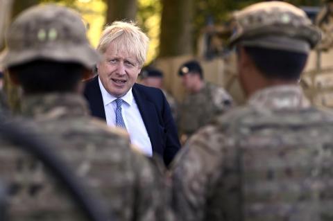 Daily Mail: Джонсон поручил армии подготовиться к четырём зимним бедствиям
