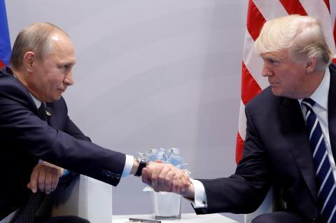 Дональду Трампу в мире доверяют меньше, чем Владимиру Путину