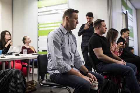Команда Навального выдвинула новую версию его отравления