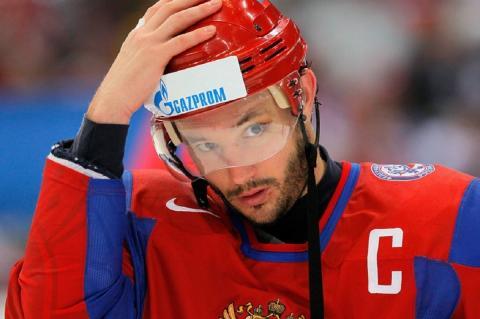 Хоккеист Ковальчук: спорт вне политики, но сейчас это не так