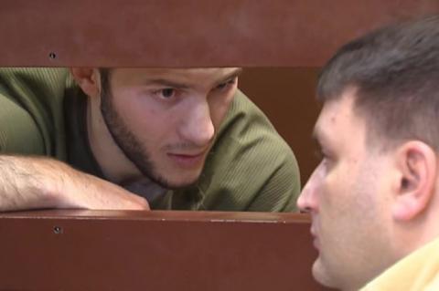 Блогера, имитировавшего приступ COVID в метро, посадили на 2 года