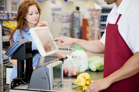 Россиян предупредили о необычном обмане на кассе супермаркета