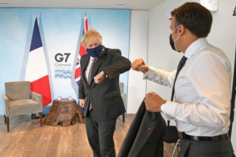 СМИ узнали о ссоре Джонсона и Макрона на саммите G7