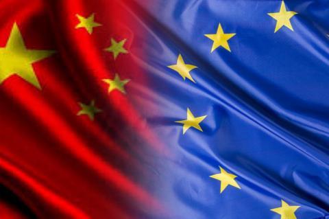 Флаги Китая и ЕС