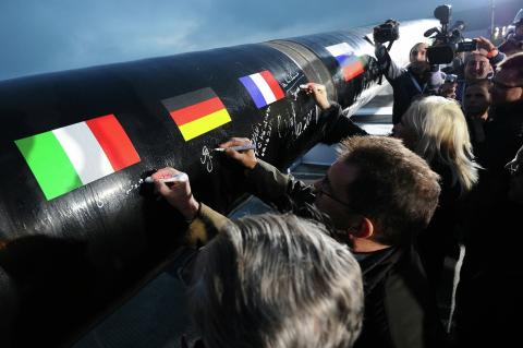«Газпром» впервые заговорил о провале «Северного потока-2»