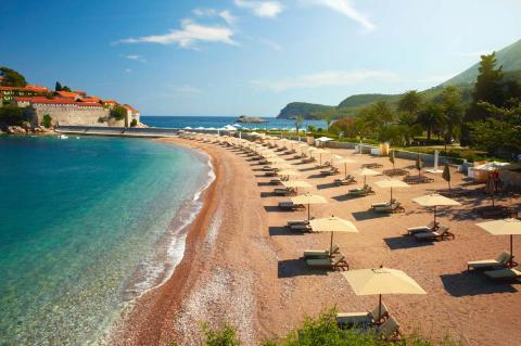Черногория остается закрытой для россиян, но ее могут посещать туристы из 130 стран