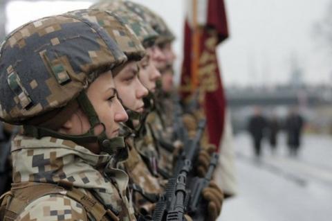 Латвия прекратила обучать иракских военных на фоне требований Багдада о выводе войск США
