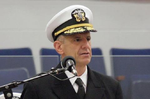 Командующий ВМС США в Европе и Африке адмирал Роберт Берк