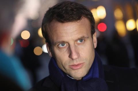 Макрон поддержал идею изменить конституцию Франции