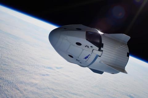 Корабль SpaceX в полете