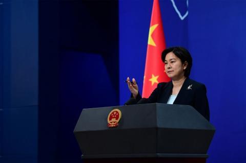 Пекин сравнил демократию США с неперевариваемым китайцами напитком