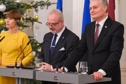Страны Балтии намерены построить железную дорогу в ЕС путем шантажа