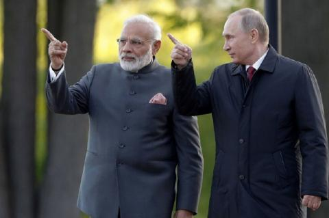 """В Forbes объяснили причину """"грусти"""" США в отношении санкций для Индии"""