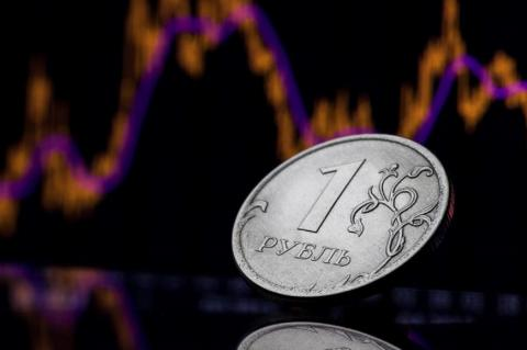 Назван «самый опасный период» для рубля