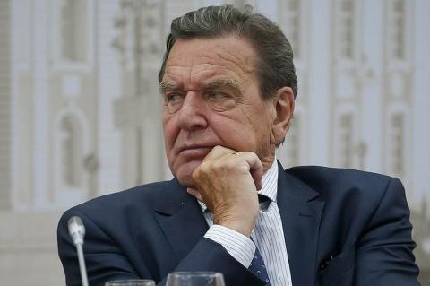 Шредер высказал свое мнение о воссоединении Крыма с Россией