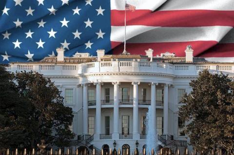 Белый дом и флаг США