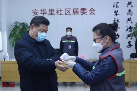 В Китае опровергли версию о происхождении коронавируса на рынке в Ухане