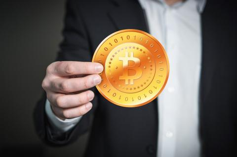 Финансисты ошибочно считают биткоин пирамидой и аферой - Даниэль Мастерс