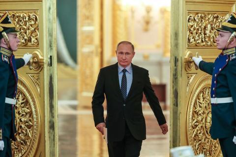 Запад ставил задачу не допустить Путина к выборам до победы Трампа