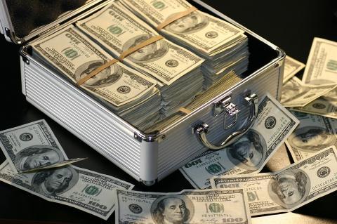 В Японии мошенники расплатились за биткоины фальшивыми деньгами