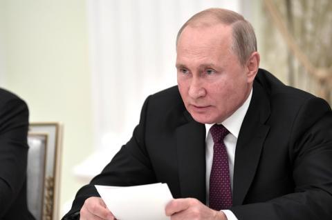 Путин счел беспардонной ложью резолюцию Европарламента о Второй мировой