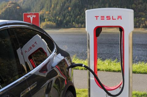 Облачные сервера Tesla использовались для майнинга криптовалют