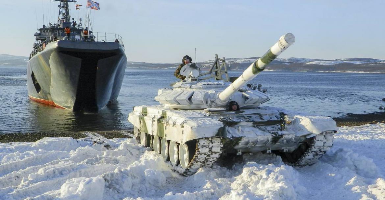 Forbes: дуэль на море — Россия и НАТО показали друг другу, на что способны на Крайнем Севере